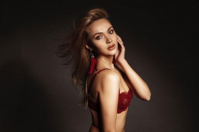 Elena femme russe qui veulent venir france