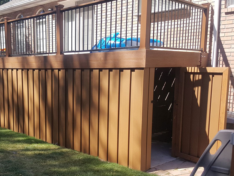 Tree House With Saddle Pickets Iron Guard Deck Rail