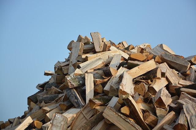 stockage bois extérieur aéré