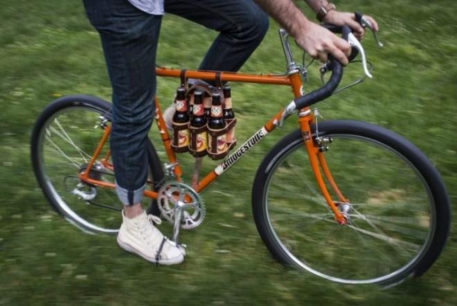 Mert bringázni nyáron jó. Felelősen. Óvatosan. Sixpackkel. Stb. via The Washingon Post
