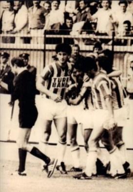 1984 85 FB gol 02
