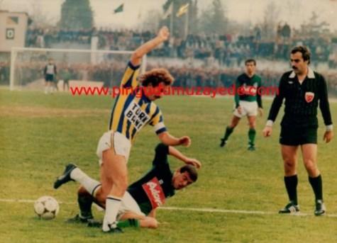 1984 85 Sakarya FB 05