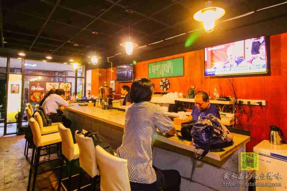 歡樂海南雞飯【桃園美食】|隱身桃園夜市商圈的酒吧風格餐廳;手機線上訂餐超方便 @黃水晶的瘋台灣味
