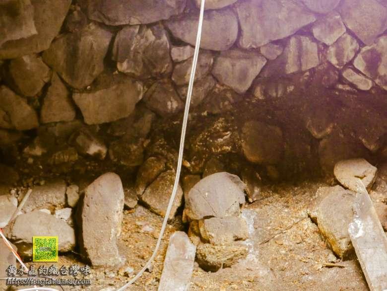 達悟族野銀部落傳統地下屋【蘭嶼景點】 蘭嶼必訪景點&費用;最具知名度的優質地下屋導覽員 @黃水晶的瘋台灣味