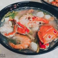 鴻海產粥【龜山美食】|龜山市場后街只要60元的排隊海產粥,每周二還加送一隻螃蟹而且不加價