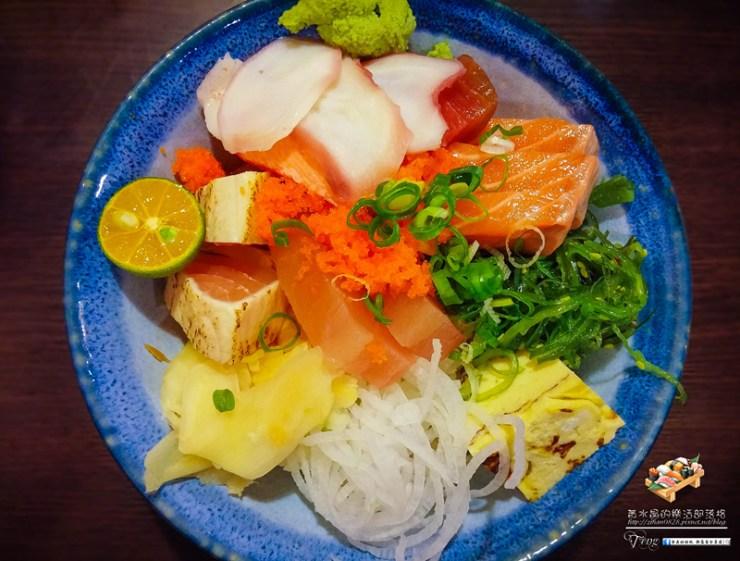 八彩日式料理【桃園美食】|日式料理丼飯專賣店;整間店就是大海的冰箱。 @黃水晶的瘋台灣味