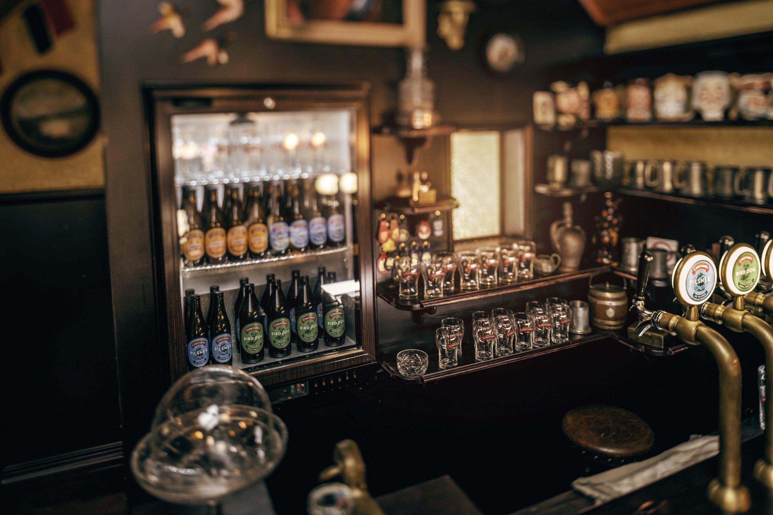 Tiny Pub 1