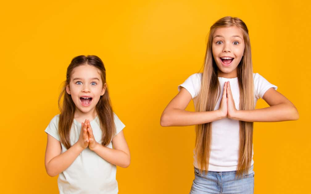 How to teach kids to say please and thank you. Teaching kids manners is important but sometimes kids need a little nudge to remember.