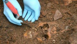 masovna-grobnica2-reuter-srdjan-zivulovic_f