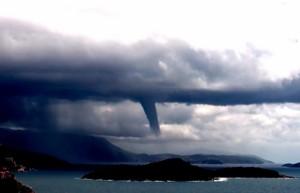 Pijavica-kao-tornado-iznad-Dubrovnika