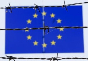 EU-Flag-Barbed-Wire