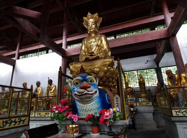 Fuhu Temple ( Fuhu si), Emeishan - Hall of 500 Arhats