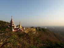 La vue depuis le temple sur la colline de Mandalay
