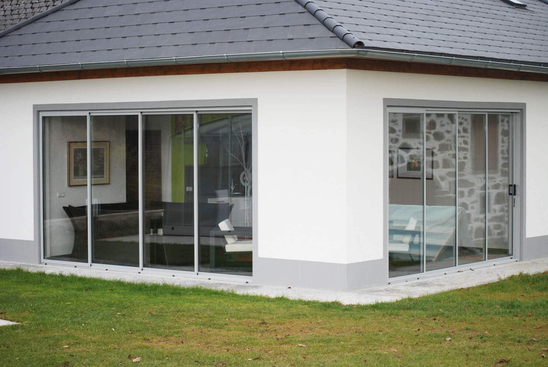 hebeschiebet r terrasse detail holzfassade mit terrassen schiebet r oekohaus. Black Bedroom Furniture Sets. Home Design Ideas