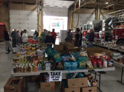 food_give_away_2016_fenton_firefighter3