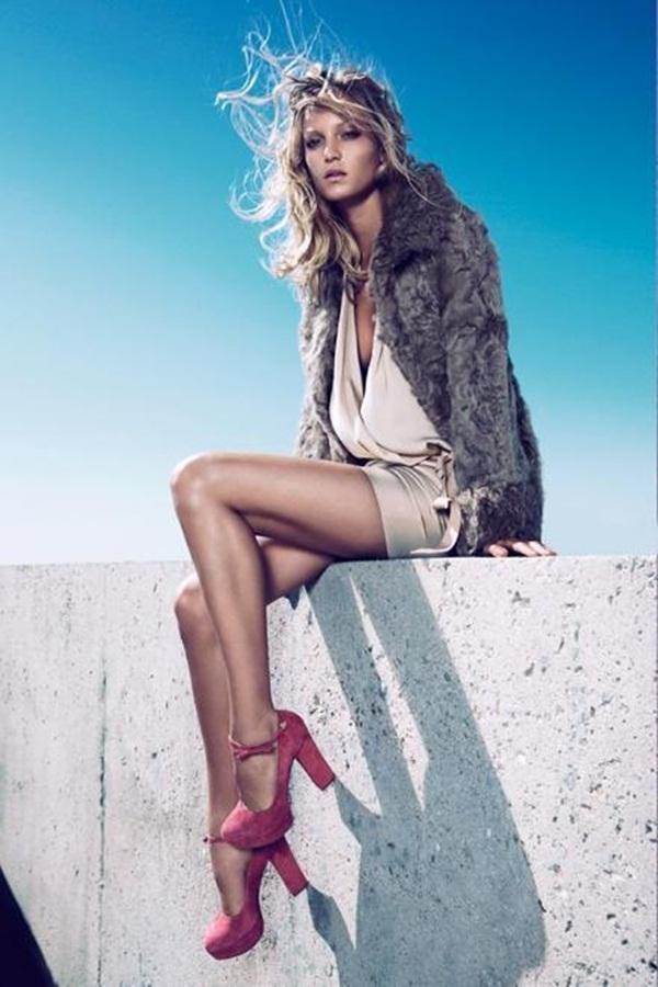 70 Glamorous Girls in High Heels
