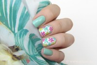 45 Easy Flower Nail Art Designs for Beginners