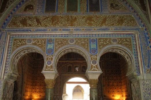 Arcade în stil maur la Real Alcázar de Sevilla