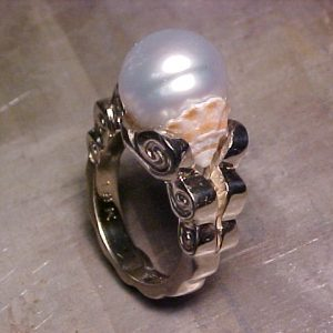 custom ring with pearl and seashell