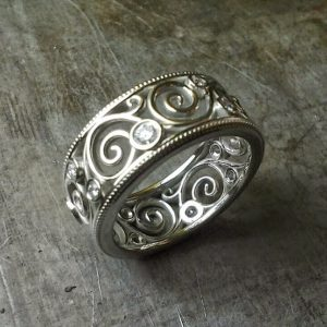 scroll wedding band 19k