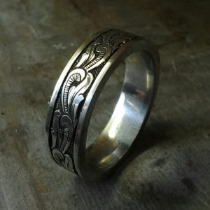 custom hand engraved wedding band
