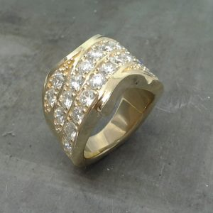 Yellow gold multi diamond band