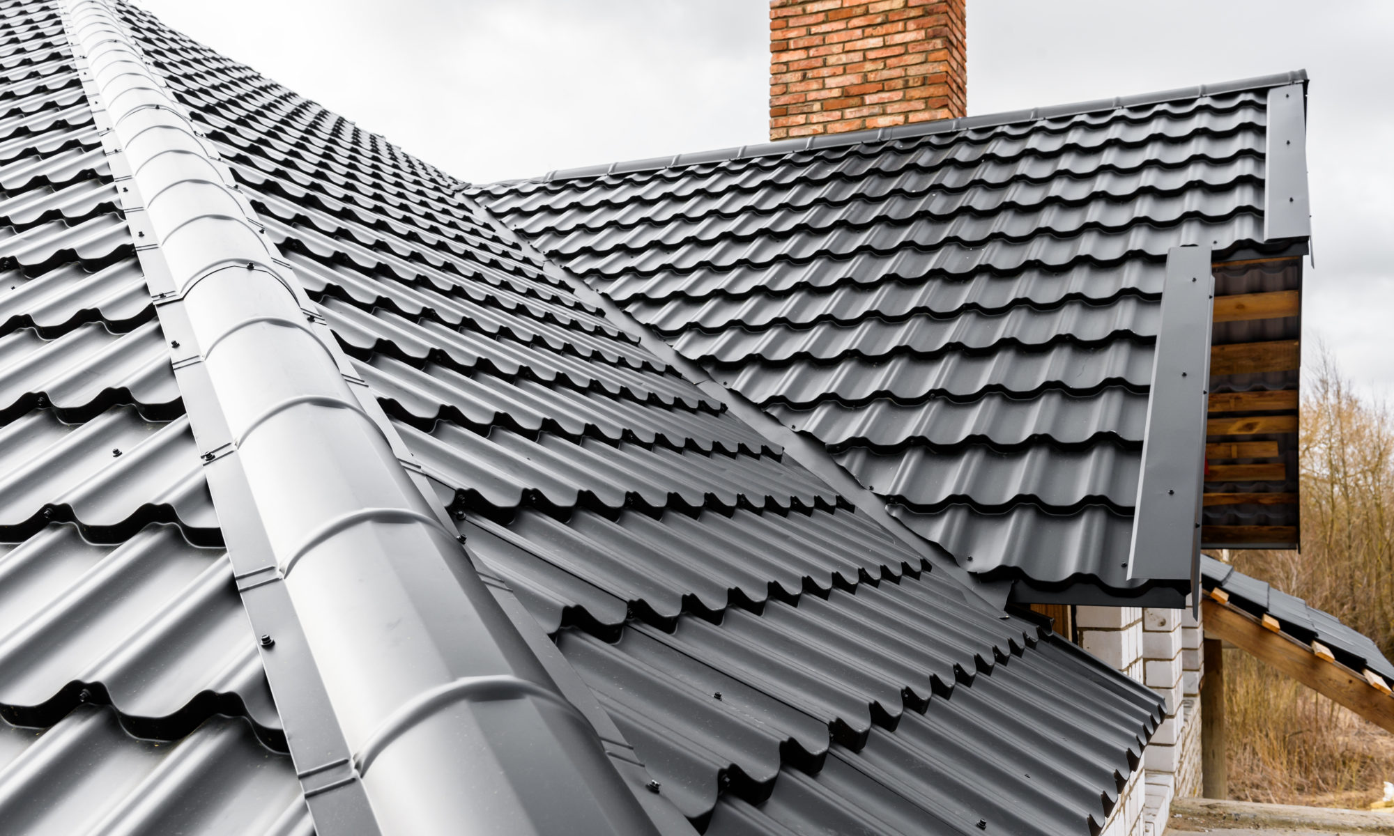 comparing shingle options to metal roofing