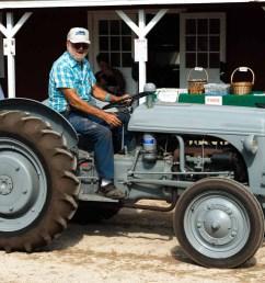 al hoyt driving his 1946 ford 9n  [ 1623 x 1080 Pixel ]