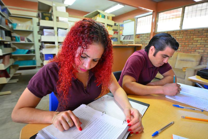 Diferencias Entre Estudiar Oposiciones En Academia O Por