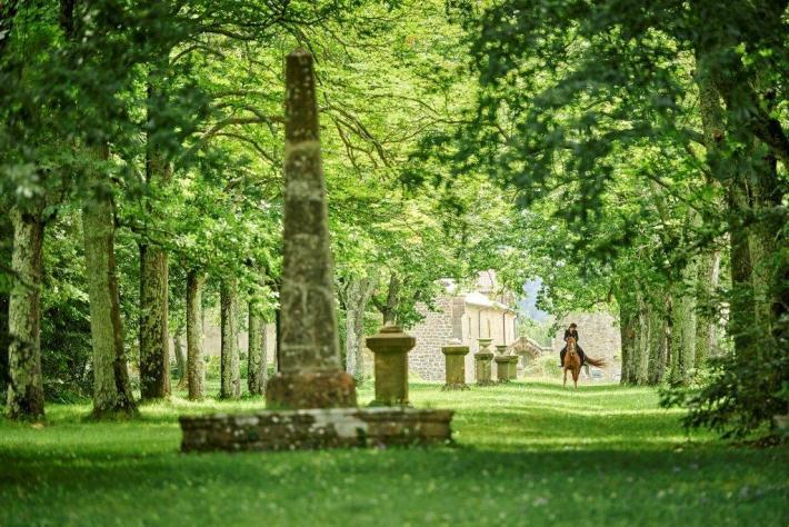 Beim Lustwandeln im englisch anmutenden Landschaftspark wird man unweigerlich an das 1847 erschienene Romantikdrama «Jane Eyre» erinnert.