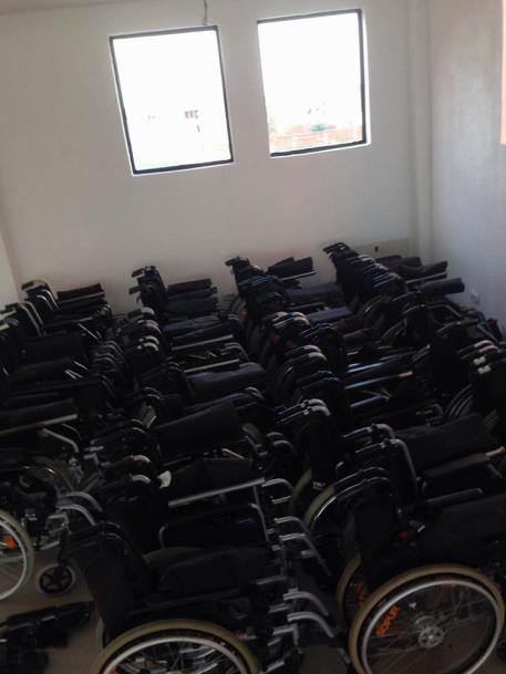 30704390_10216197027497487_3275766488597790720_n Handikos pranon Donacion, karroca për personat me aftësi të kufizuar