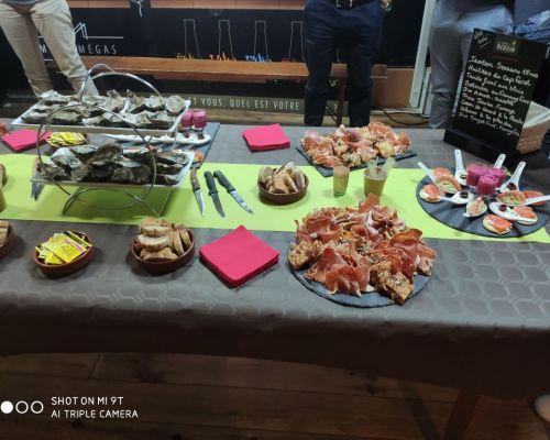 huîtres pain jambon traiteur ferme de Berdin Banos