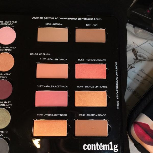 Pó de contorno e blush Color Me para demonstração do programa Maquiador(a) Revendedo(a) da Contém1g