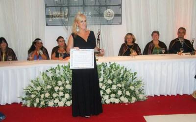 Fernanda Sá é premiada em 2013 com Medalha de Ouro