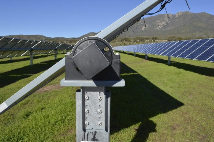 NCLAVE-Single-Axis-Solar-Tracker-1-1200x798