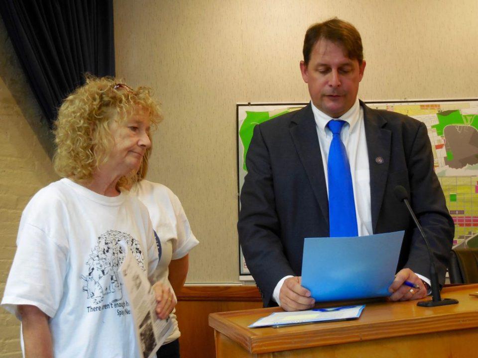 Beth Hackney and Fernandina Beach Mayor John Miller
