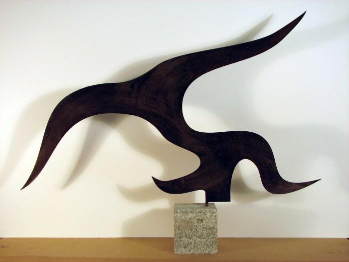 ALGA 2009, hierro cortado con laser y base de granito, 50 x 30 x 0,4 cms.