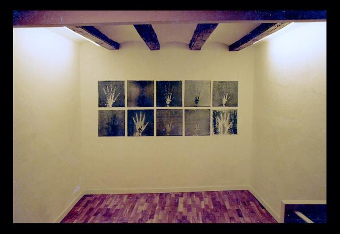 MANOS 1990, mixta, acido y serigrafia sobre cinc, 250 x 100 cms. (galeria Carles Poy, Barcelona)