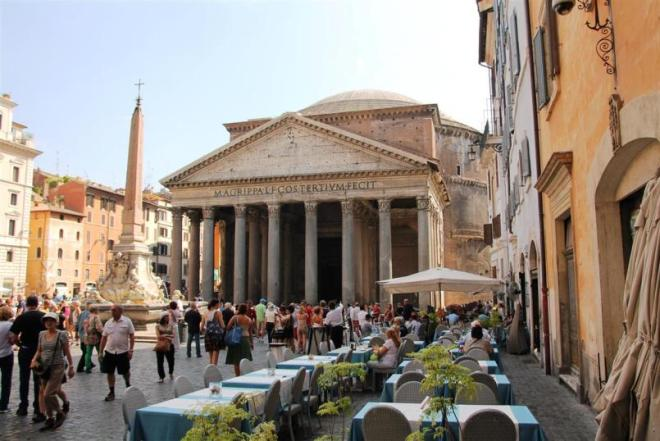 Kurztrip Rom: Der Tempel Pantheon steht mitten in der Altstadt