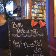 Traditionelles Essen in Buenos Aires: In Palermo reiht sich ein süßes Restaurant an das nächste