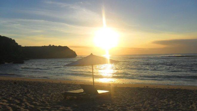 Sonnenuntergang am Balangan Beach auf Bali