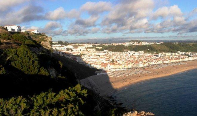 Ausblick von Sitio auf Nazaré am Atlantik in Portugal