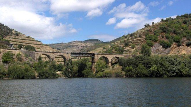Bootsfahrt auf dem Douro durch das Weinanbaugebiet Nordportugals