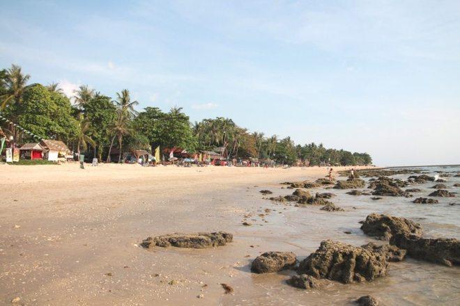 Der Klong Khong Beach bei Ebbe, Koh Lanta (Thailand)