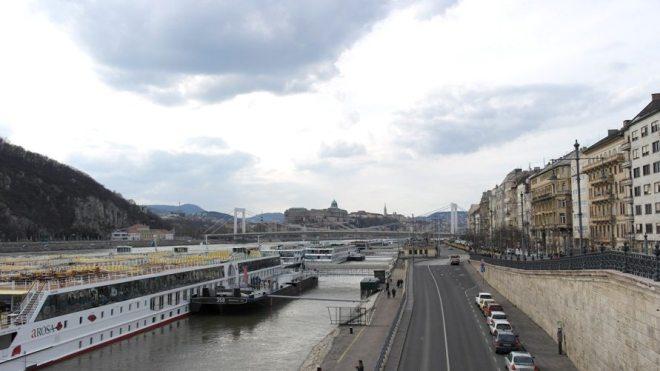Blick von der Freiheitsbrücke auf Budapest: Toller Tipp