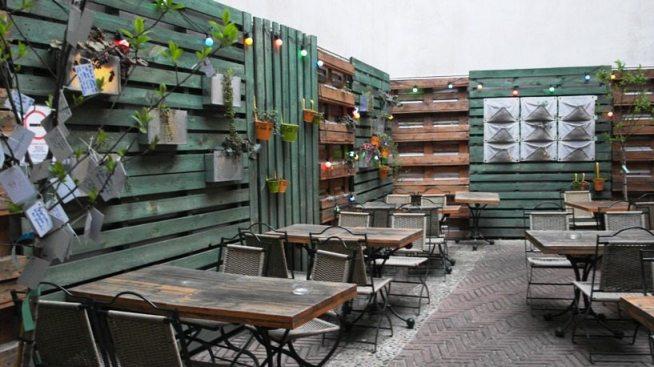 Garten im Kazimir - Restauranttipp für Budapest in 3 Tagen