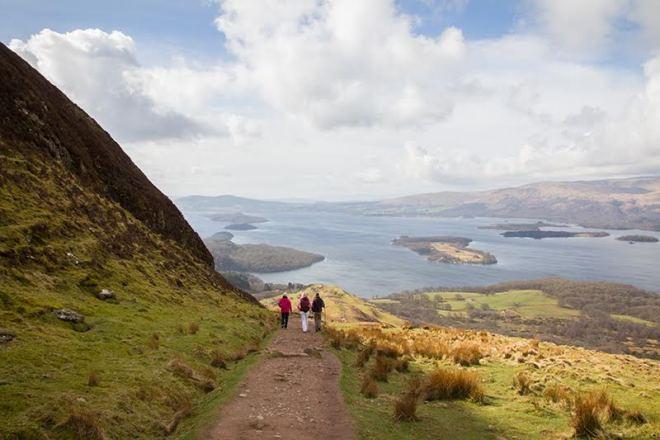 Highlight auf unserer Schottland-Rundreise: Wanderung auf den Berg in Balmaha, Loch Lomond