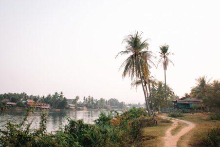 Spaziergang auf Don Det im Süden von Laos