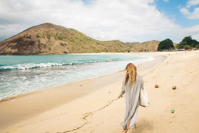 Der Mawun Beach bei Kuta auf Lombok ist ein paradiesischer Strand