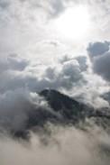 Wolken und Berge auf unserem Sri Lanka Backpacking Trip im Hochland in Ella